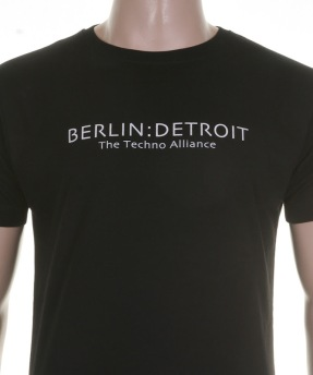 IMG_7931_Mann_T_Shirt_Tresor_Records_GmbH_Berlin_Detroit_Ods_Textildruck_Siebdruck_Ods-Textildruck