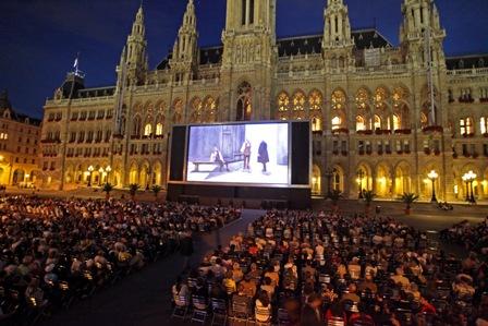 Kino-Rathausplatz1_c_stadt_wien_marketing.jpg